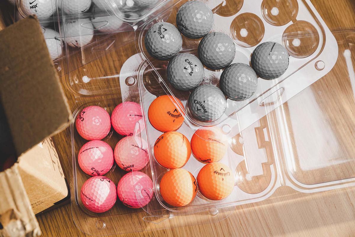 Støt golfklubberne ved at købe brugte golfbolde